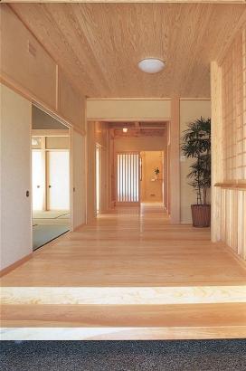 玄関廊下 富山市木の家 北岡工務店