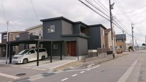 広々設計・木目の溢れる家